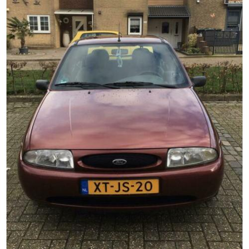 Ford Fiesta 1.3 I 3DR 1999 Rood